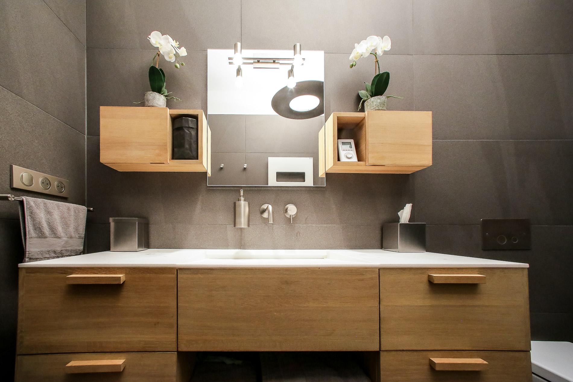 appartement lyon 2 architecture d 39 int rieurs agencement salle de bain vasque en pierre douche. Black Bedroom Furniture Sets. Home Design Ideas