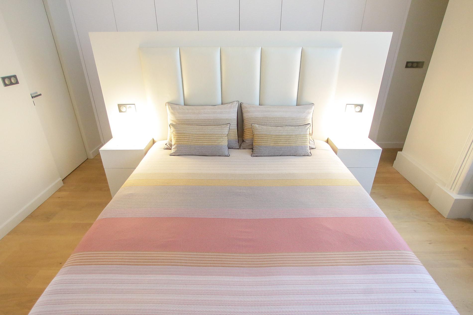 d coratrice d 39 int rieurs travaux appartement lyon 2 agencement chambre t te de lit sur mesure. Black Bedroom Furniture Sets. Home Design Ideas